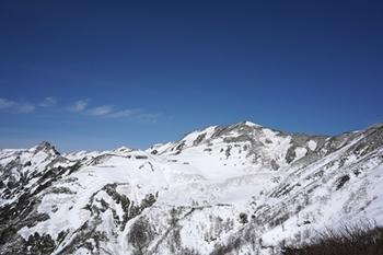 03DSC00422大源太と七つ小屋山.JPG