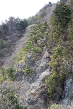 09東岳から西岳.JPG