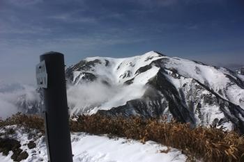11IMG_7362武能岳から茂倉岳.JPG