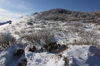 IMG_6857ルートから外れた1685m付近から赤面山.JPG