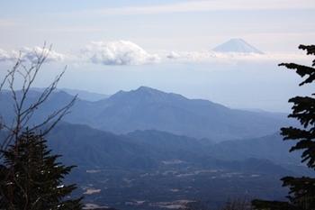 PIMG_6917金が岳茅ガ岳と富士山.JPG
